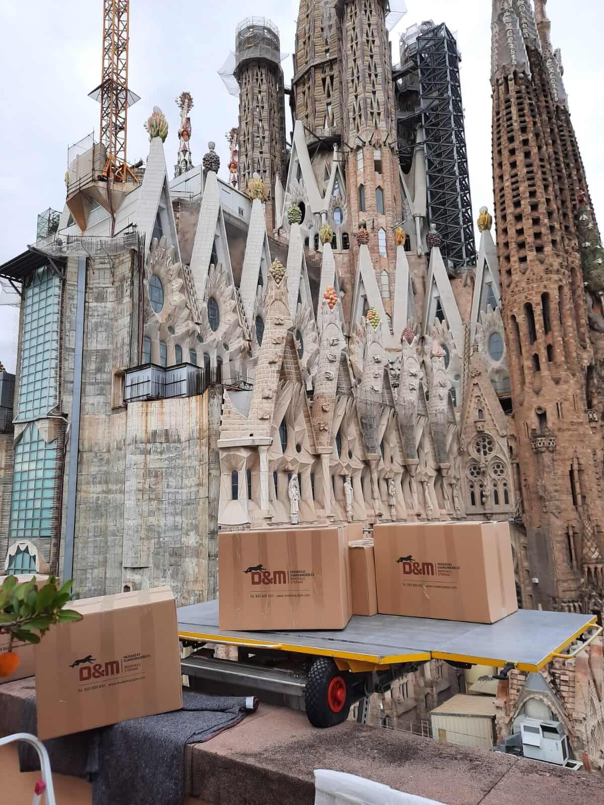 mudanza en la Sagrada Familia de Barcelona